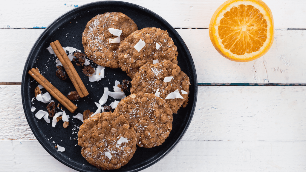 I present you with a recipe for delicious and flavored biscuits with coconut flakes and grated apples. The whole family will love this dessert from the first.