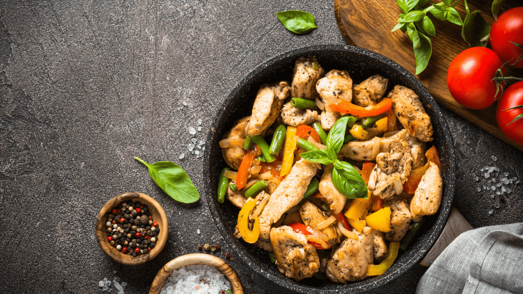 High protein content, low carb, and low-calorie content make this recipe ideal for weight loss. Chicken breast with spinach can be served as such, with rice, potatoes, couscous, or vegetables.