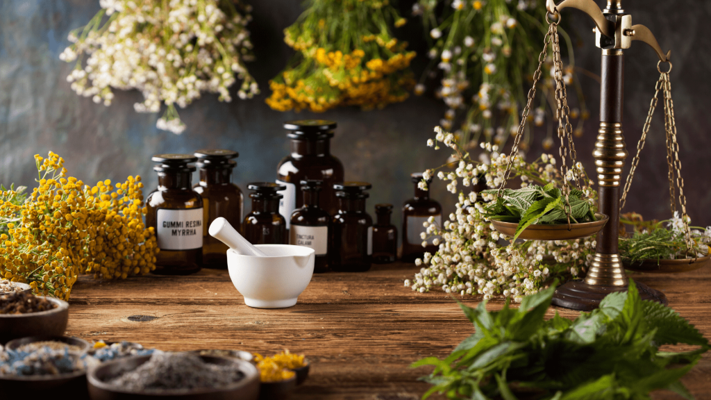 Although it is claimed that only the uneducated man resorts to old ways, we must recognize that the well-informed and documented people resort to natural treatment, and that's because herbal remedies have no side effects.