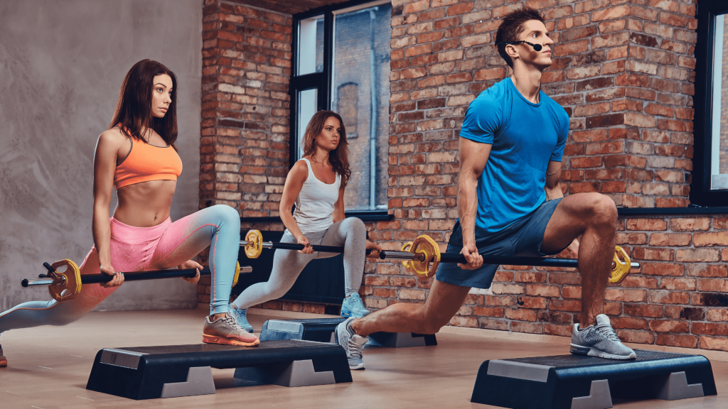 There is a reason why more and more athletes, as well as simple sports enthusiasts, become followers of this high-intensity training interval: Tabata training is incredibly effective, and a training session lasts only 4 minutes!