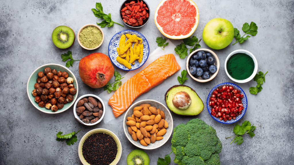 If you still don't know what superfoods are and why they are important or how they should be consumed, here is a guide to help you understand everything about them and why it is important to use all types of superfoods.