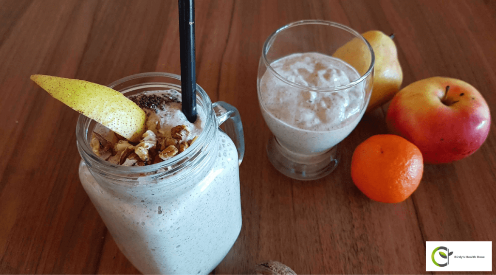 The spices are what give this delicious pear and walnut smoothie a real winter flavor.