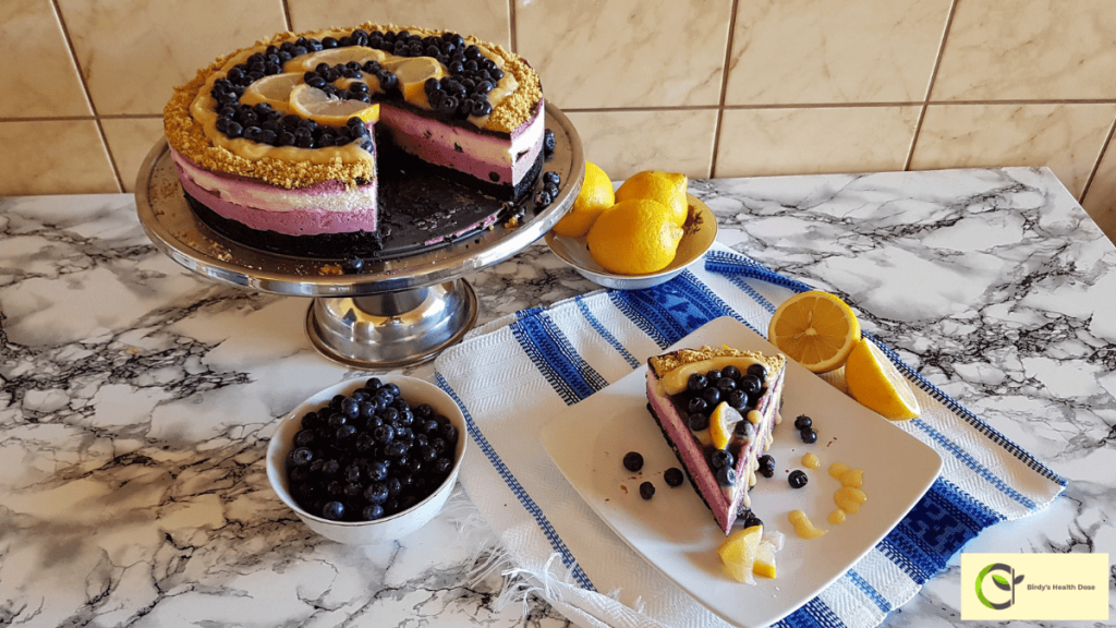 If you like this fragrant no-bake, sugar-free cheesecake with blueberry jelly and lemon curd, I tell you that you have to arm yourself patiently until you get to cut the first slice and devour it, but it's well worth the effort.